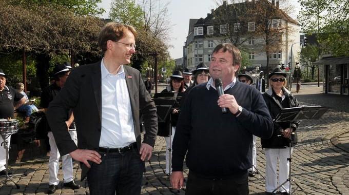 """Wahlkampfauftakt Der Gevelsberger SPD Bei Prächtigstem Sonnenschein: """"Der Liebe Gott Muss Zumindest In Gevelsberg SPD-Mitglied Sein"""""""