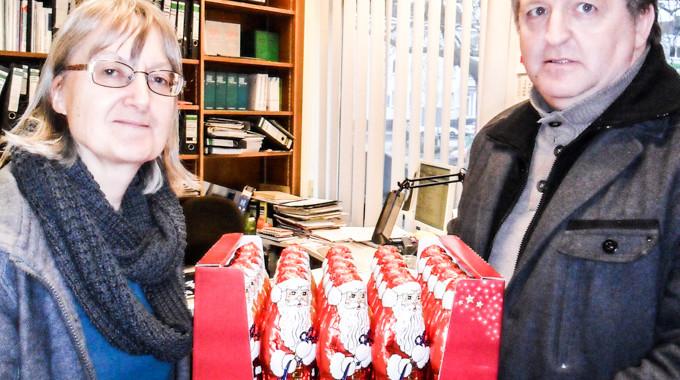 SPD Vogelsang überreicht Weihnachtsmänner
