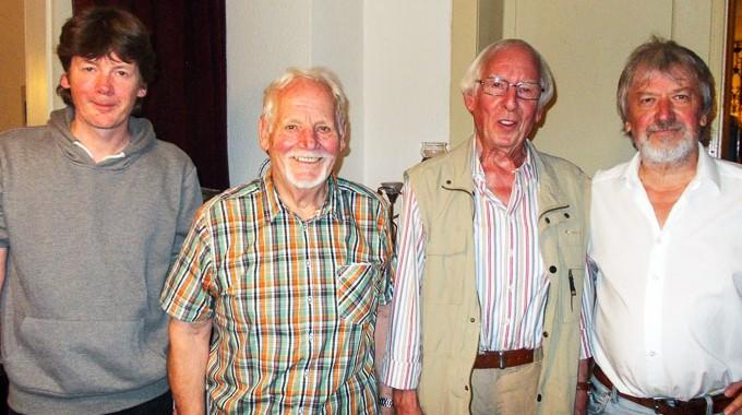 Von Links: Peter Schulz, Rolf Gregarek, Helmut Siepmann Und Der 1. Vorsitzende Des SPD – Ortsvereins Asbeck, Gerd Vollmerhaus